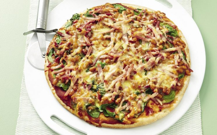 9-delicious-recipes-using-canned-baked-beans-baked-bean-and-bacon-pizza