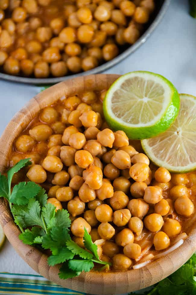 20-minute-dinner-recipes-Easy-Thai-Chickpea-Curry-3