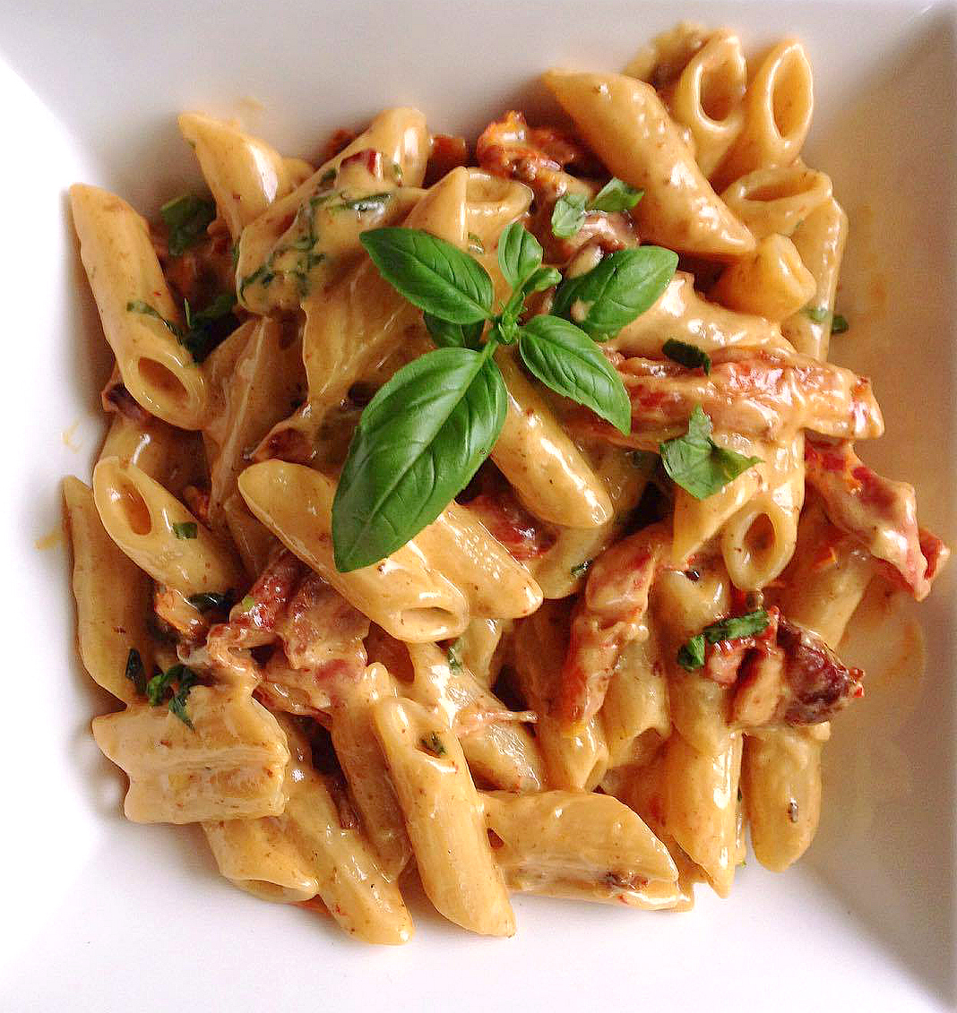 Penne Alfredo with Bacon and Sundried Tomato
