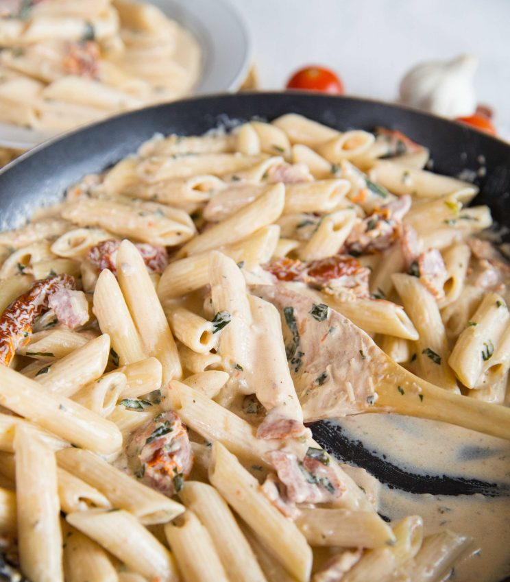 Penne Alfredo with Bacon and Sundried Tomato one pot