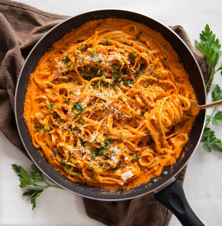 Creamy Roasted Red Pepper Pasta in skillet