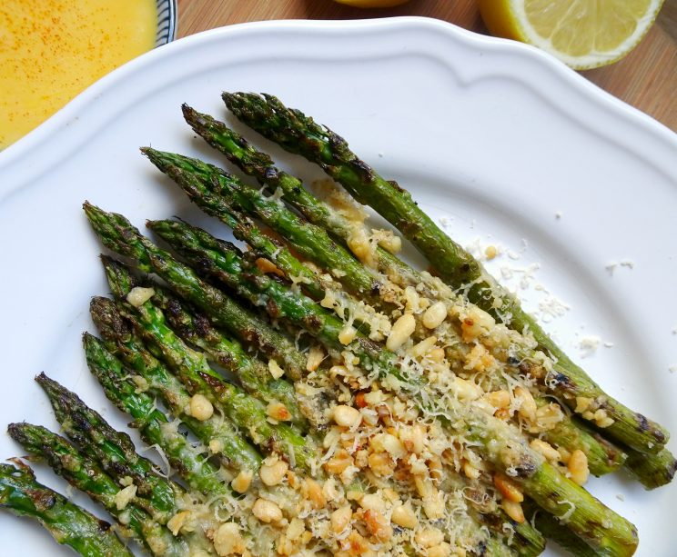 Grilled Garlic & Parmesan Asparagus with Hollandaise Sauce - before sauce