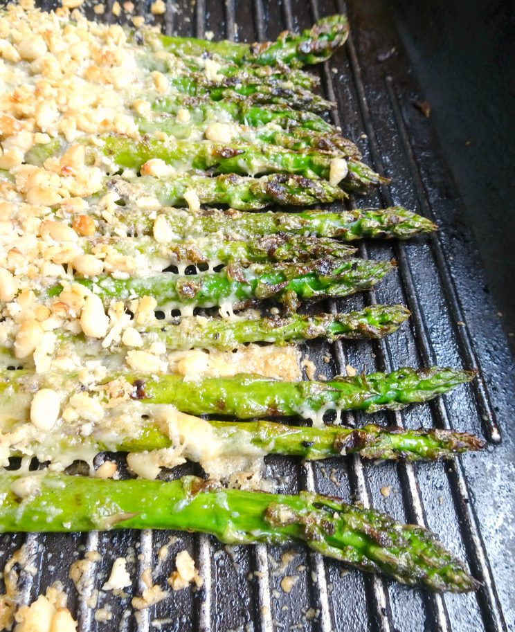 Grilled Garlic & Parmesan Asparagus with Hollandaise Sauce - grilling