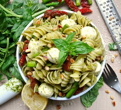 The ultimate 10 minute Pesto Pasta with Asparagus and Sun Dried Tomato