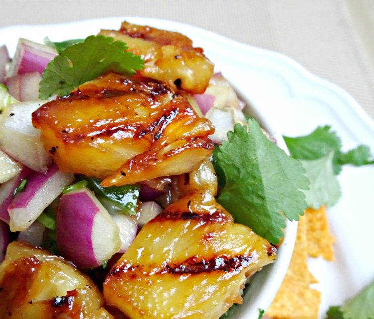 Sweet and Spicy Grilled Pineapple Salsa - closeup