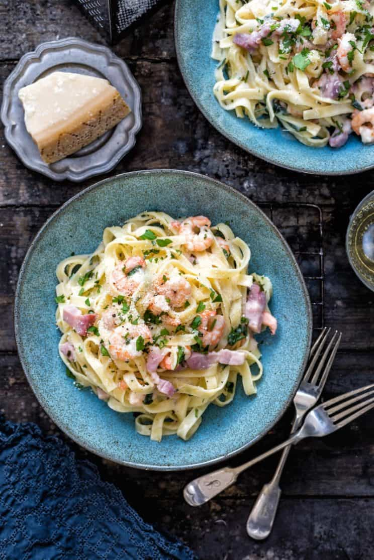20-minute-dinner-recipes-Shrimp_Bacon_Fettuccini_Alfredo
