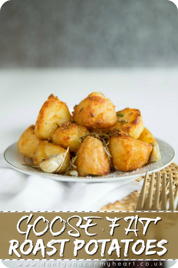 These Goose Fat Roast Potatoes are seriously crunchy on the outside & light and fluffy on the inside. Follow these foolproof tips for perfect roast potatoes! #roastpotatoes #goosefatroastpotatoes #roastdinner | www.dontgobaconmyheart.co.uk
