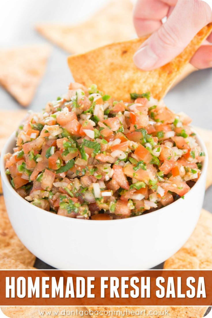 This gorgeous homemade fresh salsa couldn't be more simple to make. Use this homemade chunky salsa to top chicken, quesadillas, nachos or keep at as a dip for your favourite chips! #salsa #homemadesalsa #tomatosalsa | www.dontgobaconmyheart.co.uk
