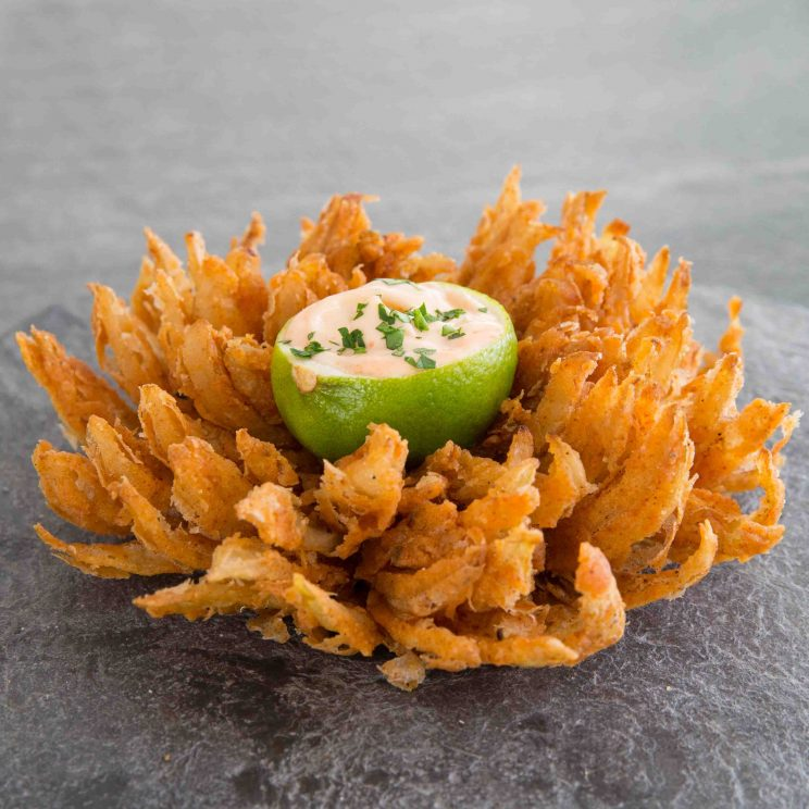 How to make a blooming onion with sriracha-lime dipping bowl