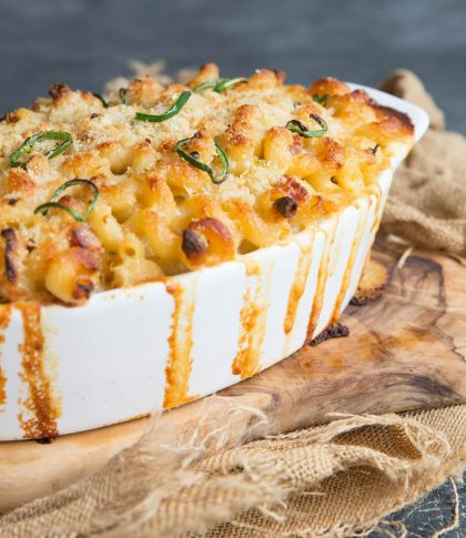 baked mac and cheese fresh out the oven
